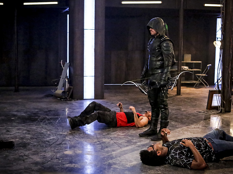 Arrow-season-5-episode-2-new-recruits-3 (1).jpg