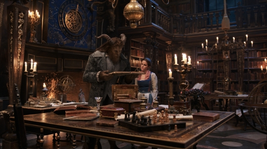 beauty-and-the-beast-movie-image-dan-stevens-emma-watson.jpg